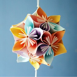 How-to-Make-Beautiful-Origami-Kusudama-Flowers-8.jpg