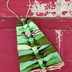 Scrap-Ribbon-Tree-Ornaments-6.jpg